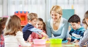 Daycare vs Nanny: Pros and Cons