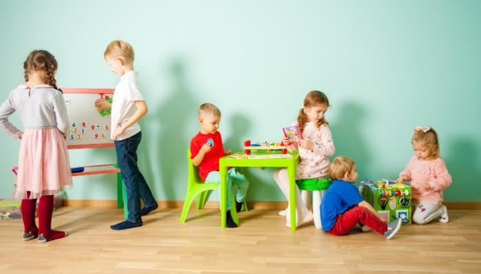 10 Warning Signs of a Bad Daycare (Parent's Guide)