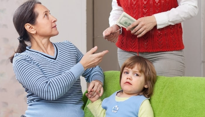 parent paying the nanny in cash